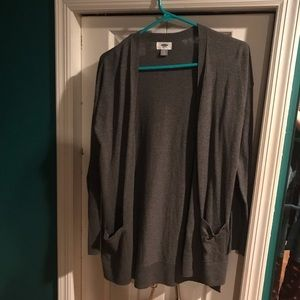 Long gray cardigan with pockets